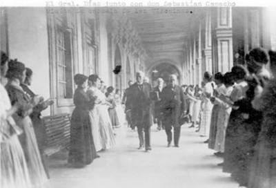 Porfirio Díaz y Sebastían Camacho, visitan la escuela de las Vizcaínas