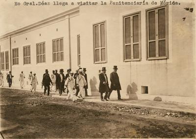 Porfirio Díaz visita la Penitenciaria de Mérida