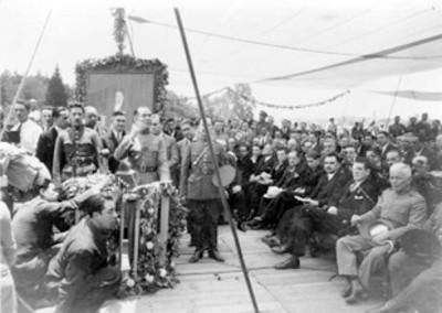 Oradores en la inaguración del Monumento a Álvaro Obregón