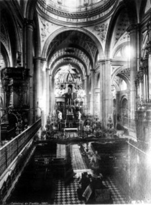 Vista al Altar de la Catedral de Puebla