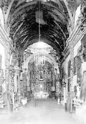 Vista de altar estilo barroco