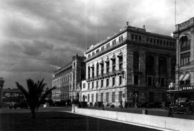 Edificio de Correos y Banco de México, fachadas