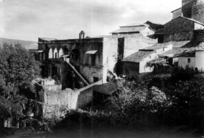Casa de Humbolt y viviendas rústicas en Taxco