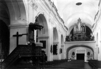 Interior de la Iglesia de Santo Domingo en Guatemala