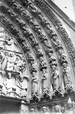 Portada de la Virgen, detalle