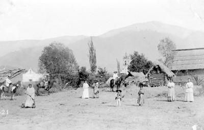 """Campesinos en el """"pueblo de San Juan"""", retrato de grupo"""