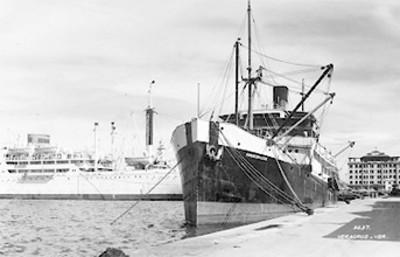 Barcos en el puerto, tarjeta postal