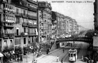 """Vista de tarjeta postal del """"Puente de Vargas y la Ribera en Santander"""""""