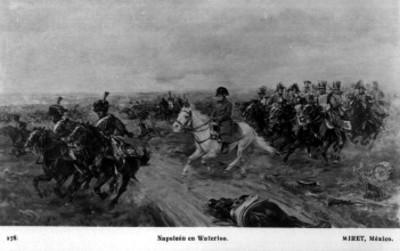 Napoleón acompañado de sus soldados en la batalla de Waterloo