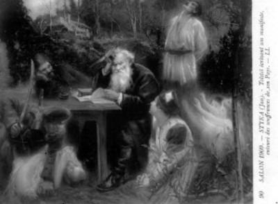 Tolstoi escribe su manifiesto mientras está rodeado de varias personas