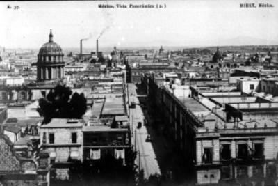 Vista hacia el oriente de la ciudad de México, tomada desde Catedral