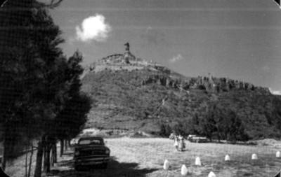Vista del Monumento a Cristo Rey tomada por detrás