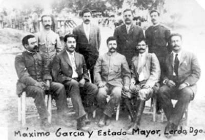 General Máximo García y su Estado Mayor, retrato de grupo