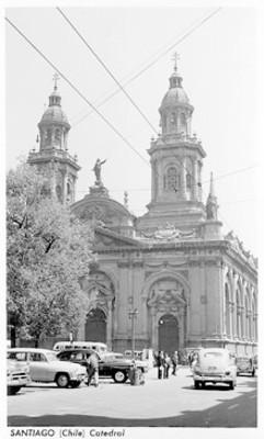 Catedral de Santiago de Chile, fachada principal, vista parcial