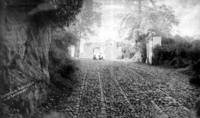 Entrada al Santuario de Amecameca. 170