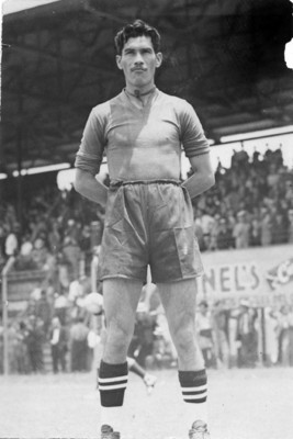 Rosas III, futbolista