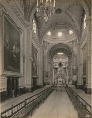 Nave, vista hacia el altar mayor