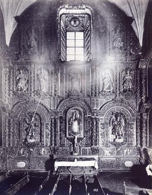 Retablo lateral de la Capilla de los Ángeles en la Catedral de México