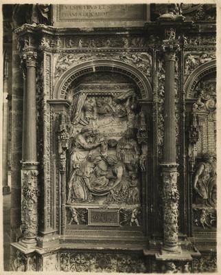 Escena de la Natividad de la Virgen, relieve de la Catedral de León