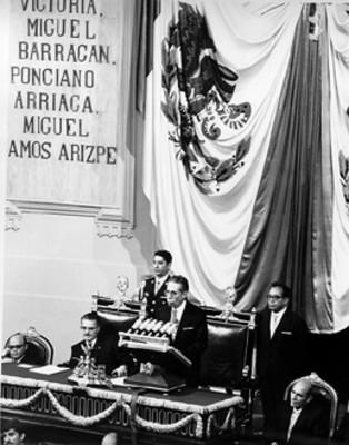 Presidente de la República licenciado Gustavo Díaz Ordaz rinde su V informe de gobierno