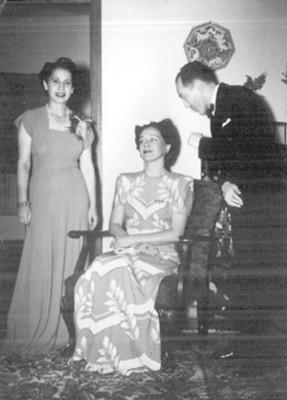 Cesar Colorna Silva con Ecila de Mendenca y Ma. de Lima Cavaleante en un evento social