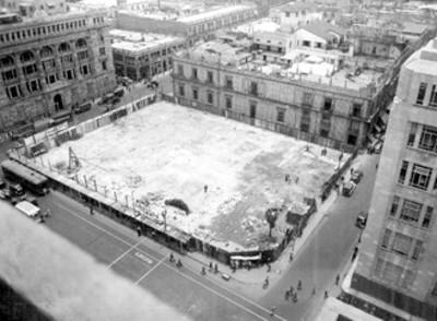 Solar que ocupó la casa de los Perros en la Plaza Guardiola; hoy la ocupan cuatro bancos