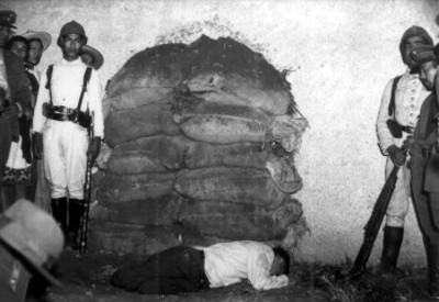 Eugenio Franco después de haber sido fusilado
