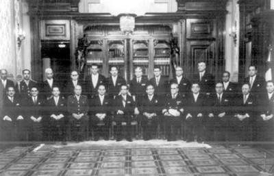 El gabinete presidencial, primer acuerdo colectivo