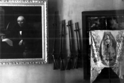 Pintura, armas y estandarte de Miguel Hidalgo y Costilla