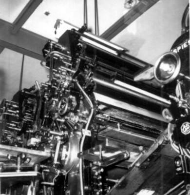 Máquina rotativa, vista parcial