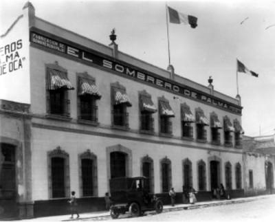 """Fábrica """"El Sombrero de Palma"""", fachada"""