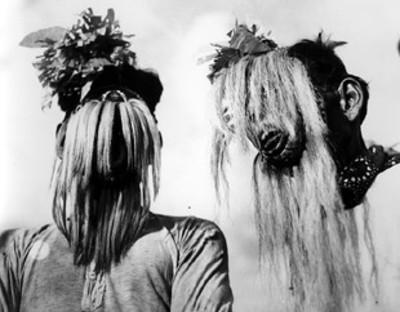 Indios Yaquis interpretan danza de los matamachines