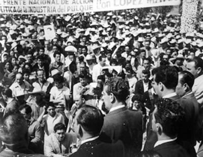 """Mitin del """"Frente Nacional de Acción Política de la Industria del Pulque con López Mateos"""""""