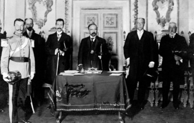 Francisco I. Madero preside una ceremonia