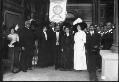 Francisco I. Madero y esposa con miembros de la Sociedad Mexicana de Temperancia