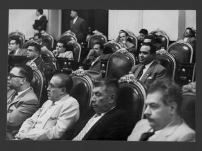 Legisladores durante una ceremonia de la Cámara de Diputados