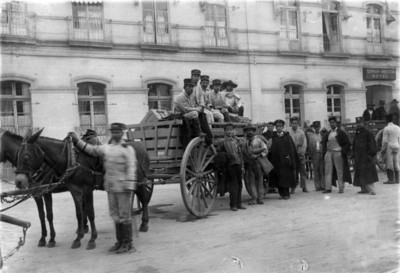 Federales transportan refuerzos para Victoriano Huerta