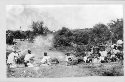Federales en un combate con los zapatistas