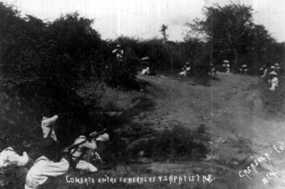 Combate entre soldados federales y zapatistas