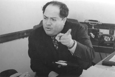 """""""Agustín Arroyo"""" Ch. en su oficina, retrato"""