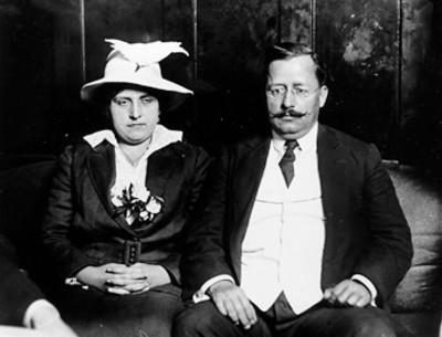 Salvador Alvarado y su esposa, retrato