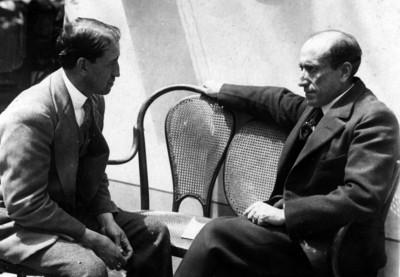 Agustín Casasola Velasco conversa con Amado Nervo