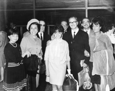 Fernando Canales y familia, retrato