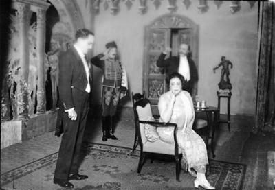 Virginia Fabregas durante una obra de teatro