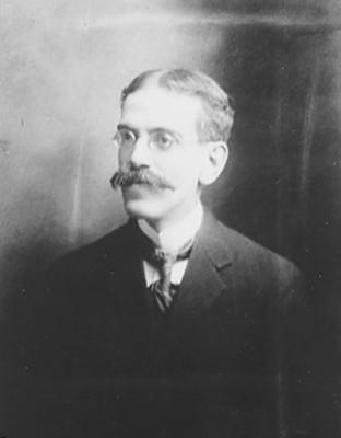 Luis González Obregón, Historiador, retrato