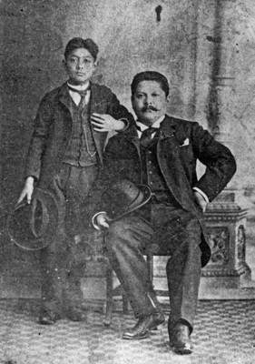 José Guadalupe Posada con su hijo, retrato