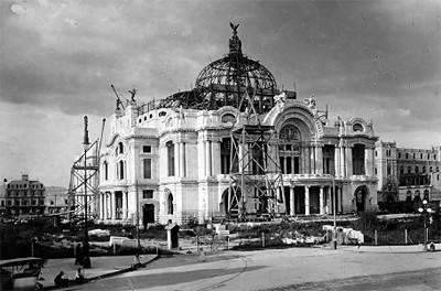 Teatro Nacional (hoy Bellas Artes) en construcción