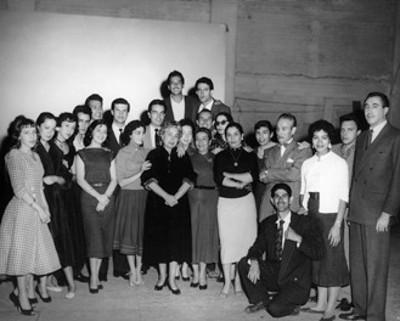 Ignacio López Tarso, Ofelia Guilmaín y otros actores, retrato de grupo