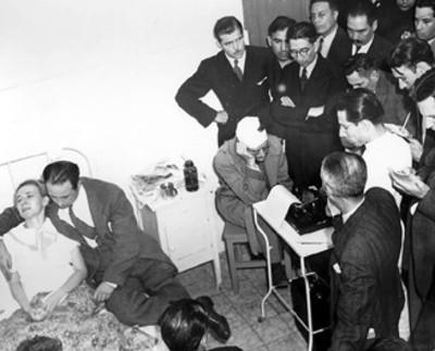 Jacques Monard Vandendresched rinde declaración a miembros del ministerio público, en la habitación de un hospital