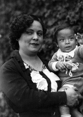 Esposa e hijo de Genaro Vázquez, retrato